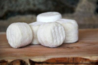 Le Petit Beaujolais à base de lait de chèvre de la Ferme de l'Espoir